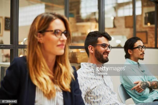 セミナー、講演会の人々 のグループ。
