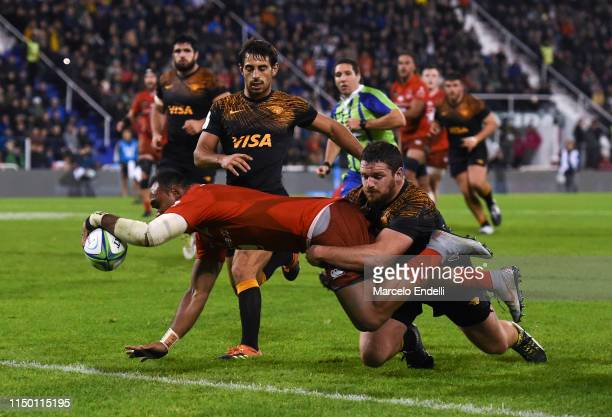 Semisi Masirewa of Sunwolves scores a try during a match between Jaguares and Sunwolves as part of Round 18th of Super Rugby 2019 at Jose Amalfitani...