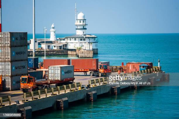 Semi-trailer transporting containers in a dock on Janvier 10, 2017 in Colombo, Colombo District, Sri Lanka.