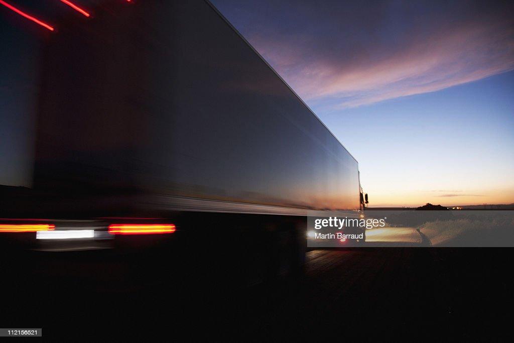 半トラックスピード違反にリモート road : ストックフォト