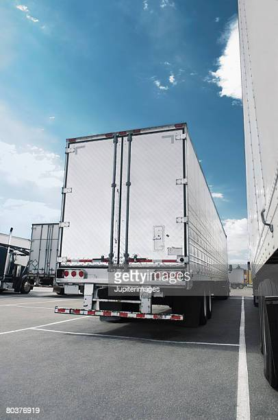 Semi-truck trailers