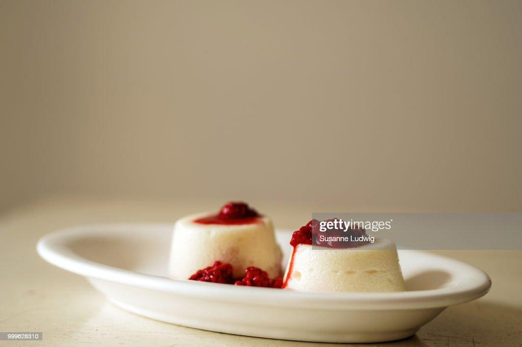 semolina pudding : Stock Photo
