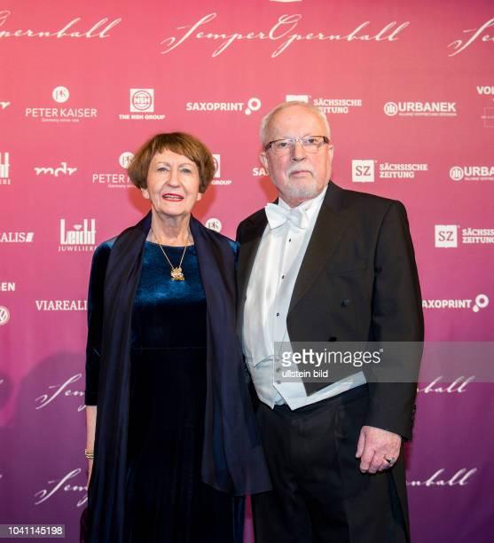 Semperopernball, Freitag , Semperoper Dresden. Lothar de Maiziere mit Ehefrau Marianne.