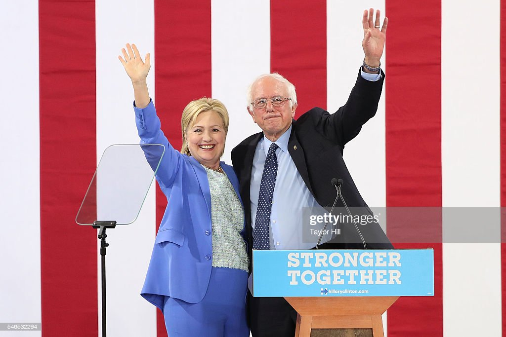 Senator Bernie Sanders Campaigns Hillary Clinton In New Hampshire : News Photo