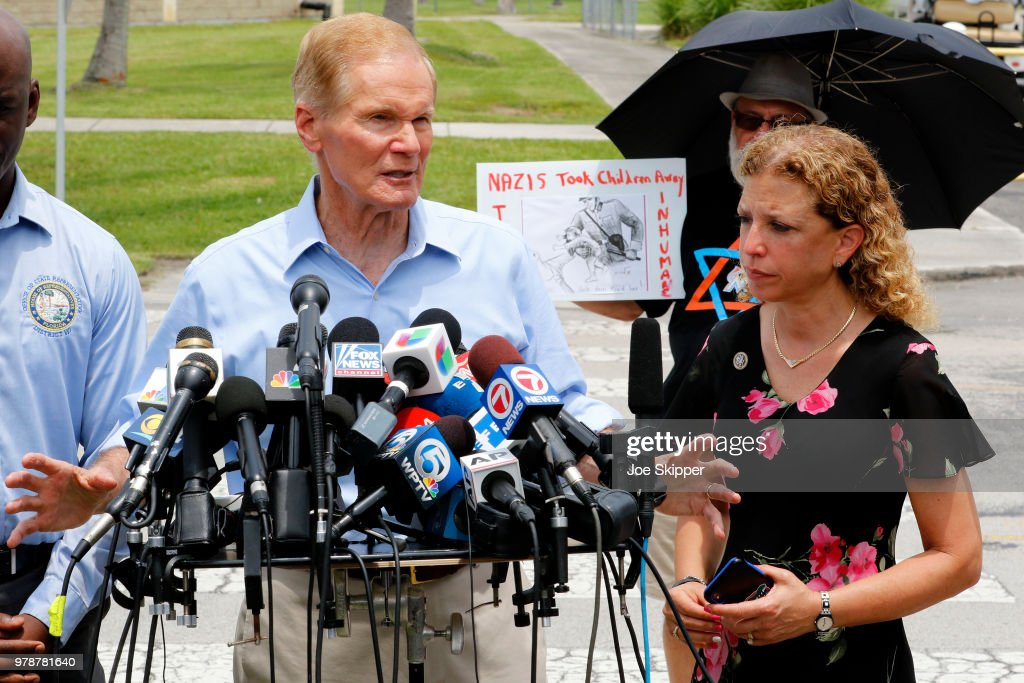 Sen. Nelson  Visits The Homestead Temporary Shelter For Unaccompanied Children