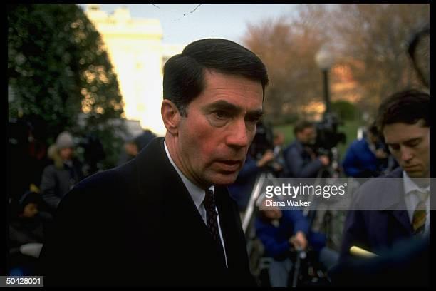 Sen Chuck Robb outside WH w press after mtg w Pres Bush