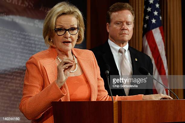 Sen Claire McCaskill and Sen Jim Webb hold a news conference to announce legislation to overhaul the federal government's planning management and...