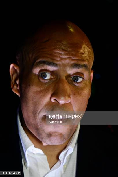 Sen Cory Booker Presidential hopeful for the US 2020 Elections holds a press gaggle moments after a Philadelphia Rise rally at the Fillmore in...