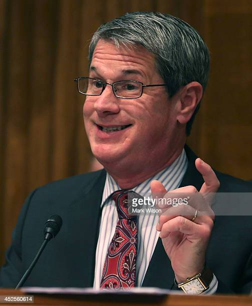 S Sen David Vitter questions US Environmental Protection Agency Administrator Gina McCarthy during a Senate Environment and Public Works Committee on...