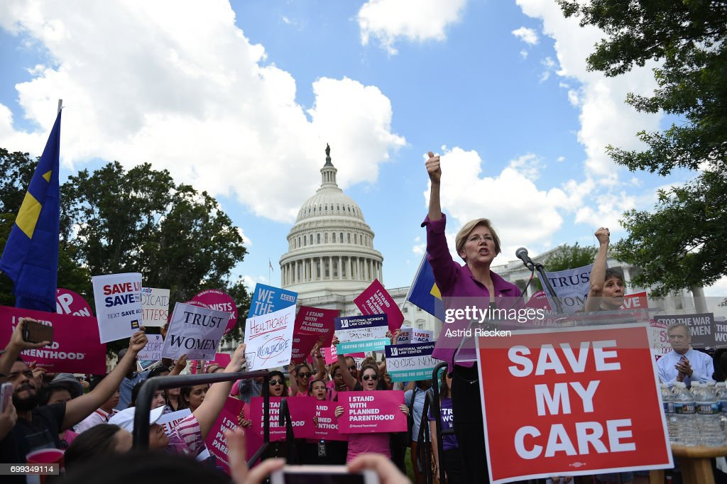 Senate Democrats Hold Rally To Oppose GOP's Obamacare Repeal Efforts : News Photo