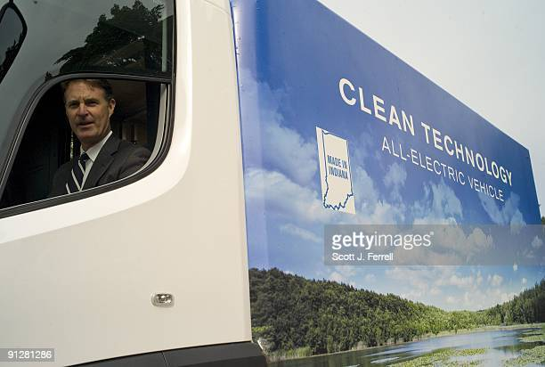 Sen. Evan Bayh, D-Ind., checks out an all-electric commercial truck from Navistar, Inc., based in Elkhart County, Ind. The production of the truck...