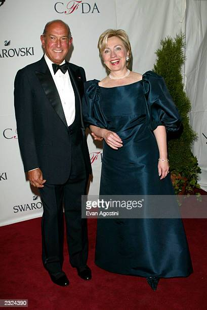 Sen Hillary Clinton with designer Oscar De La Renta arriving at the 2002 CFDA Fashion Awards at The New York Public Library in New York City June 3...
