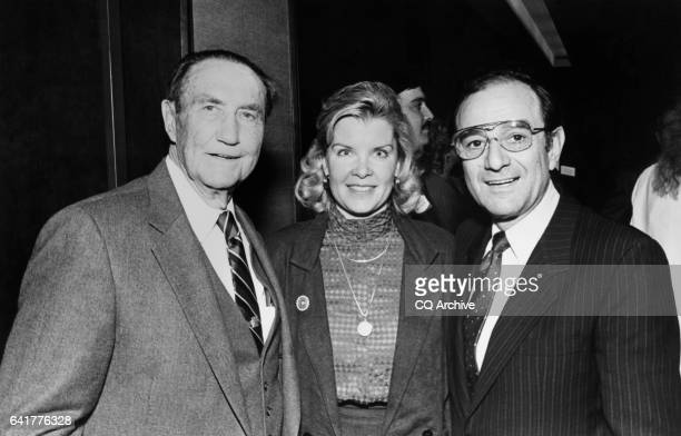 Sen James Strom Thurmond RSC Nancy Janice Moore and Sen Mayer Jacob Chic Hecht RNev posing for a picture March 1988
