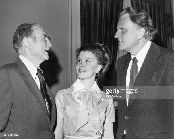 Sen James Strom Thurmond RSC with his wife Nancy Janice Moore and party member