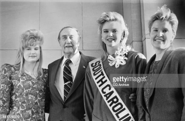 Sen James Strom Thurmond RSC with his wife Nancy Janice Moore and daughter Nancy September 9 1990