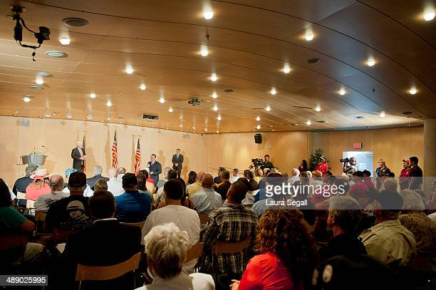 Sen John McCain speaks during a forum with Arizona Veterans over mismanagement at the Phoenix VA May 9 2014 at the Burton Barr Central Library in...
