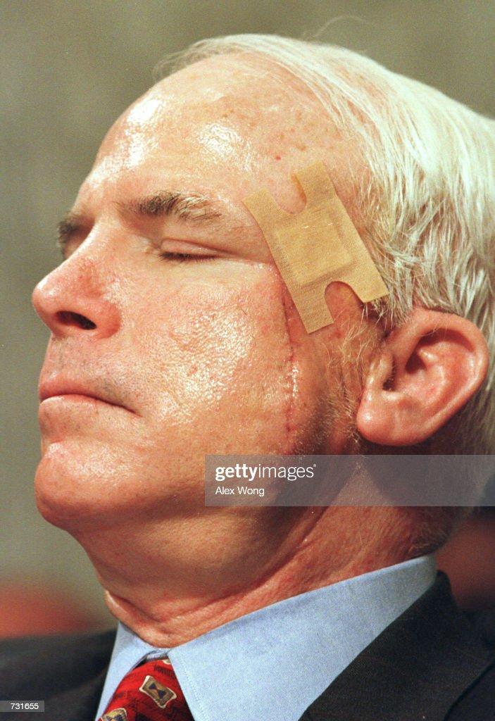John McCain At A 2000 Hearing : News Photo