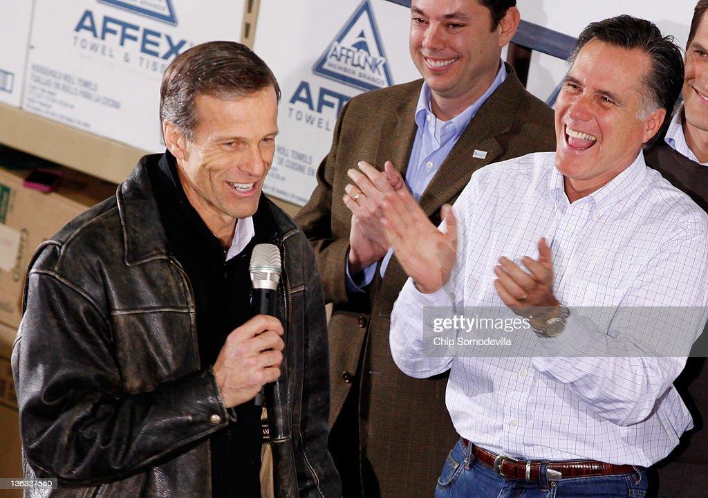 Mitt Romney Makes Final Campaign Tour Through Iowa Ahead Of Caucuses
