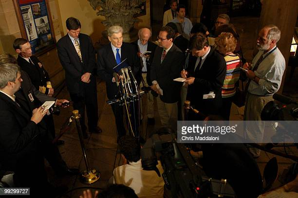 Sen John Warner RVa speaks to the press after Rear Adm Lowell Jacoby director of the Defense Intelligence Agency about a closed Armed Services...