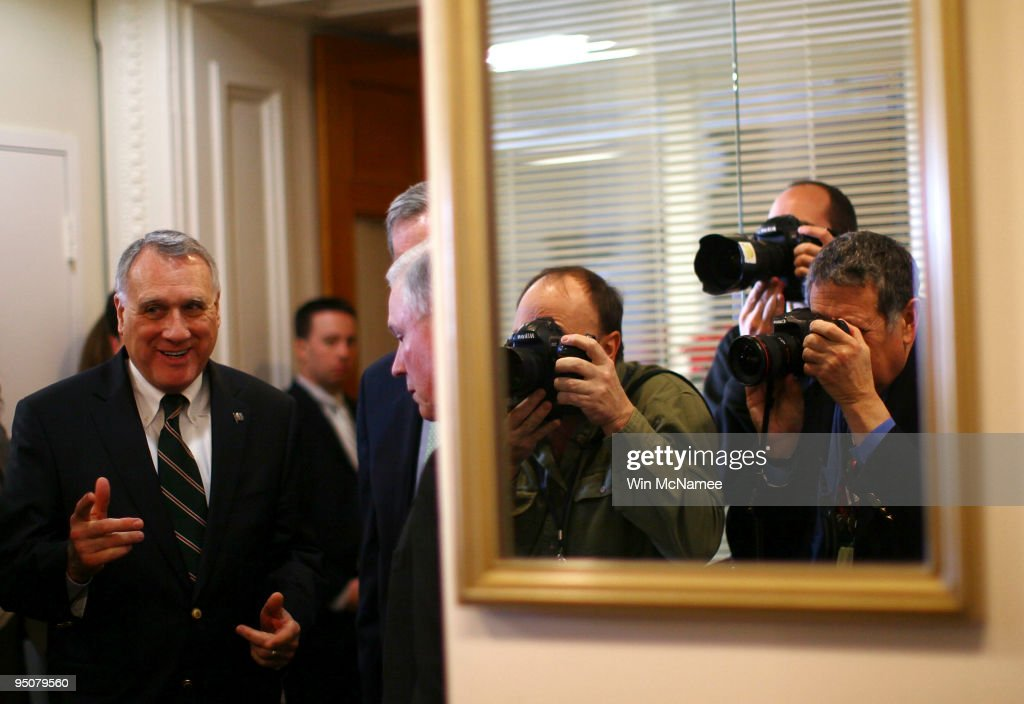 Senate Prepares For Christmas Eve Vote On Health Care Reform Bill