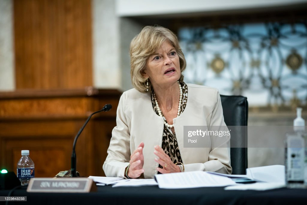 Senate Help Committee Holds Hearing On Safely Going Back To Work And School During Pandemic : ニュース写真