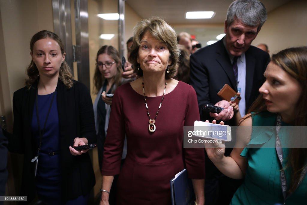 Senate Legislators Address The Media After Their Weekly Policy Luncheons : ニュース写真