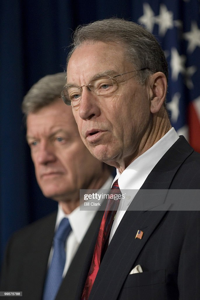 Sen. Max Baucus, D-Mont., and Sen. Chuck Grassley, R-Iowa, hold a news conference in the Senate Radio/TV Gallery on the Cloture Vote of HR 2 Minimum Wage bill on Wednesday, Jan. 24, 2007.