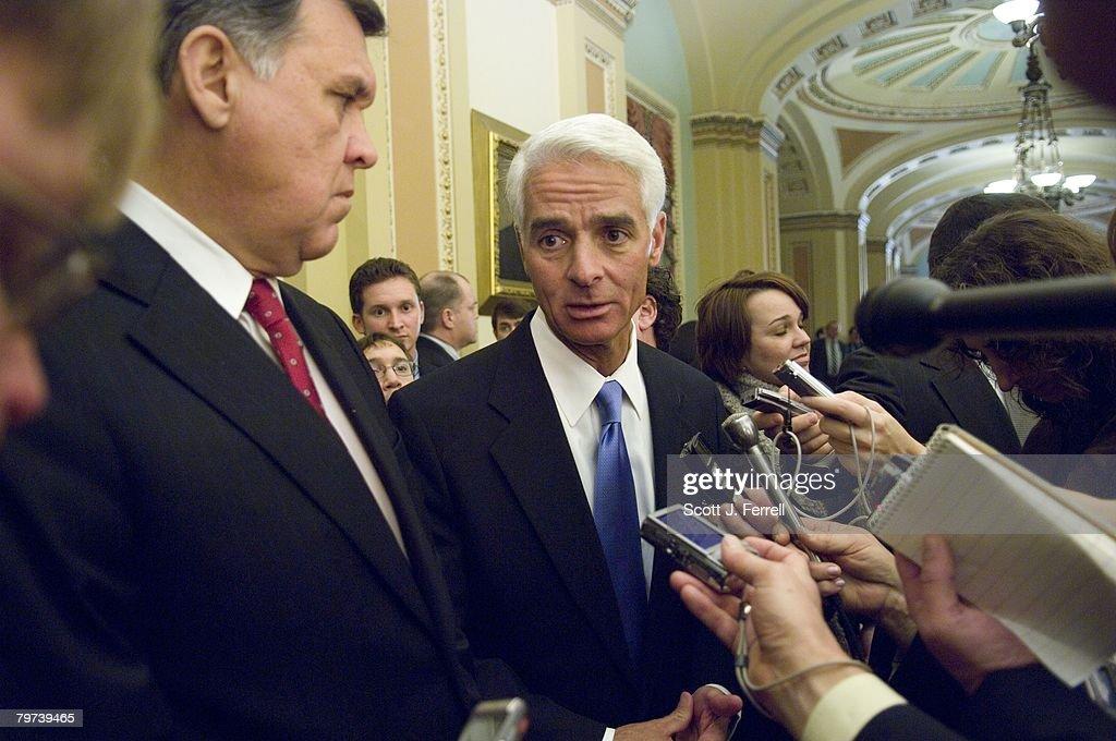 Sen. Martinez and Gov. Crist : News Photo