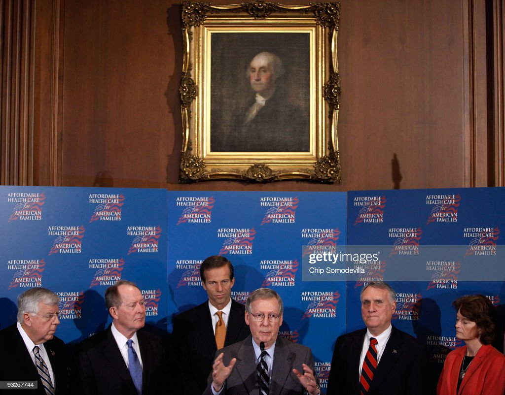 Republicans Hold Press Conference On Health Care Reform Bill : ニュース写真
