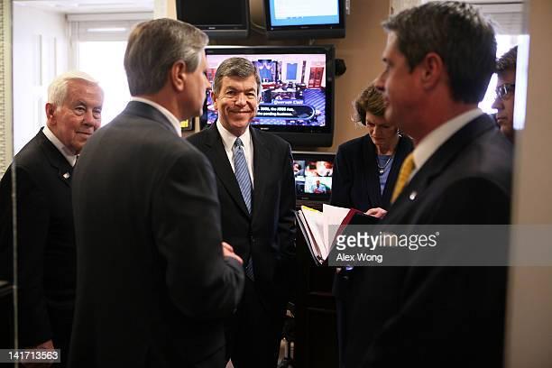 US Sen Richard Lugar Sen John Hoeven Sen Roy Blunt Sen Lisa Murkowski Sen David Vitter and Rep Lee Terry wait for the beginning of a news conference...