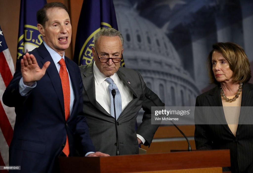 House And Senate Democrats React To GOP Tax Plan : News Photo