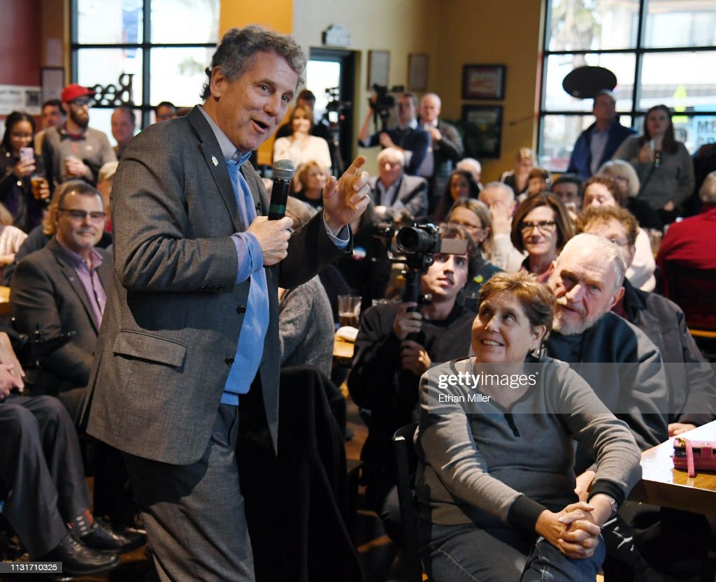 Sen. Sherrod Brown (D-OH) Meets With Nevada Voters In Henderson : News Photo