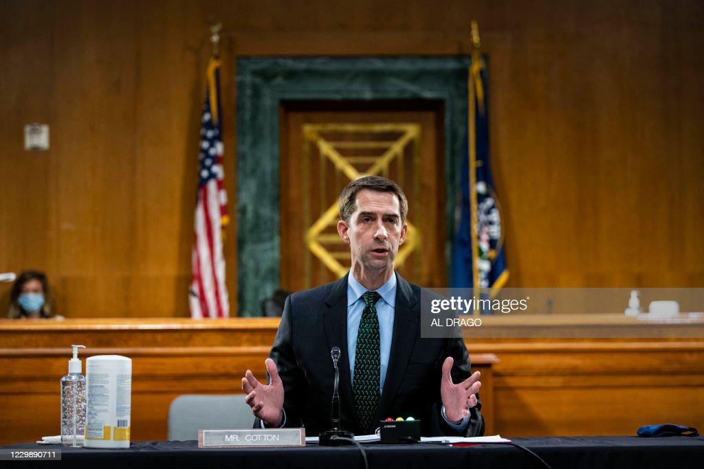 US-POLITICS-HEARING-BANKING : News Photo