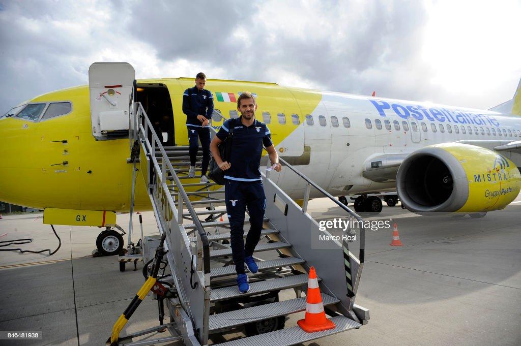 Senad Lulic disembarks the plane as SS Lazio travel to Arnhem ahead of their UEFA Europa League match against Vitesse Arnhem on September 13, 2017 in Arnhem, Netherlands.