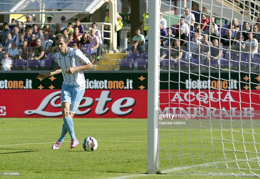 Senad Lulic of SS Lazio scores a goal during the Serie A match between ACF Fiorentina and SS Lazio at Stadio Artemio Franchi on October 19, 2014 in Florence, Italy.