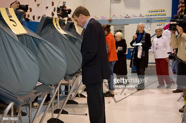 S Senate candidate Mark Warner votes on November 4th 2008 at Lyles Crouch School in Alexandria Virginia He was accompanied by his wife Lisa Collis