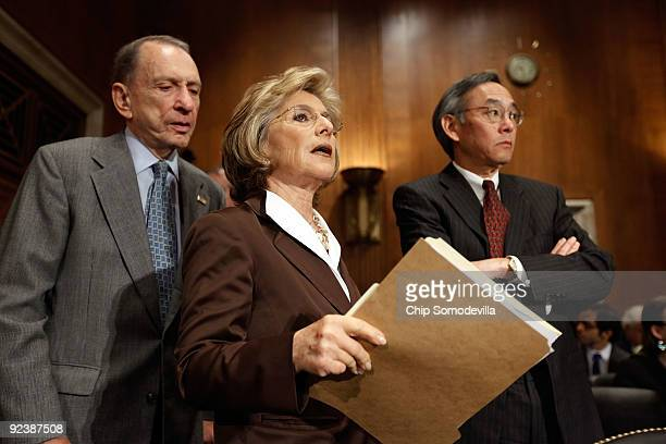 Senate Environment and Public Works Committee Chairwoman Barbara Boxer , Sen. Arlen Specter and Energy Secretary Steven Chu prepare for a committee...