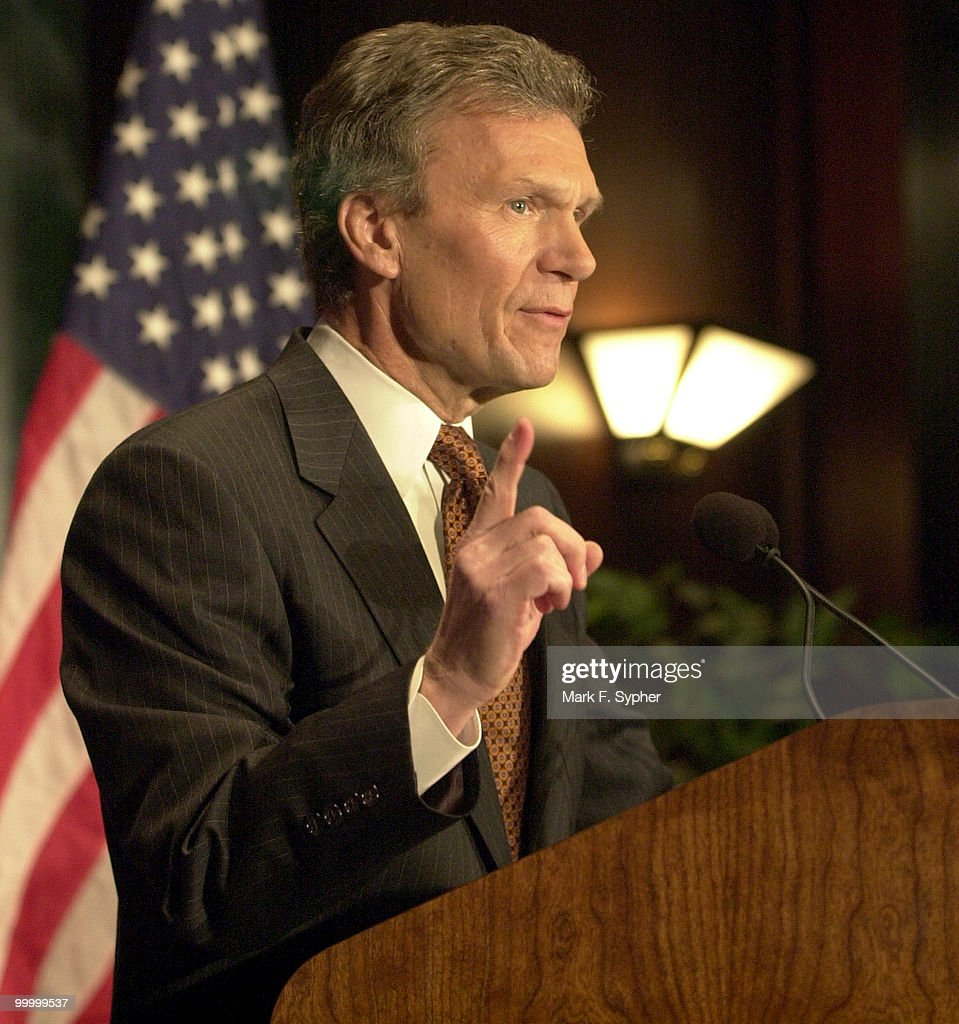Senate Majority Leader, Thomas Daschle (D) during his 'America's Economy: Rising To Our New Challenges' speach on Friday at the Center for National Policy.'