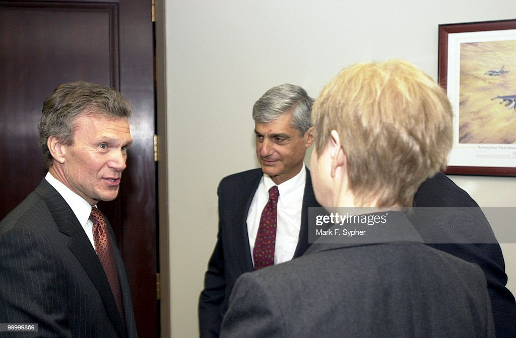 Senate Majority Leader, Thomas Daschle (D) greets (from left) former Treasury Secretary Robert Rubin, former Chief of Staff (to President Clinton) Leon E. Panetta (obstructed) and Maureen S. Steinbruner, of the CNP, before his 'America's Economy: Rising To Our New Challenges' speech on Friday at the Center for National Policy.'