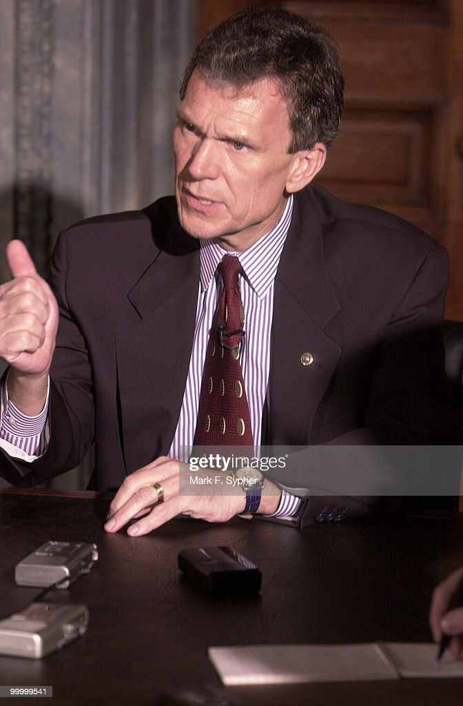 Daschle : News Photo