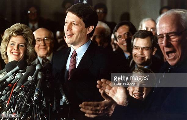 Senator Albert Gore Jr of Tennessee announces 21 April 1988 WashingtonDC that he is suspending his campaign for the Democratic Party's 1988...