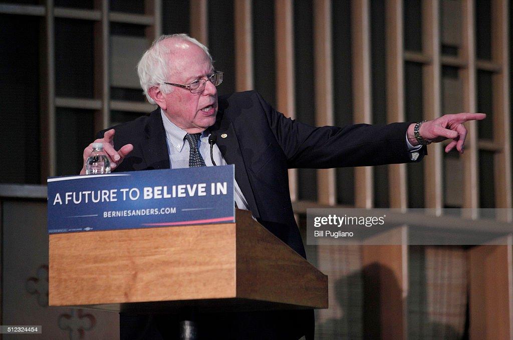 Bernie Sanders Attends Community Forum In Flint On Water Crisis : News Photo