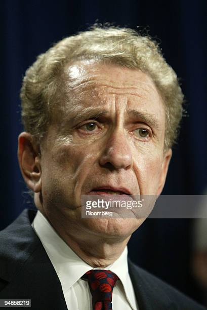 Senator Arlen Specter speaks on Capitol Hill November 18 2004 The US Senate Judiciary Committee's Republican members unanimously endorsed Specter to...