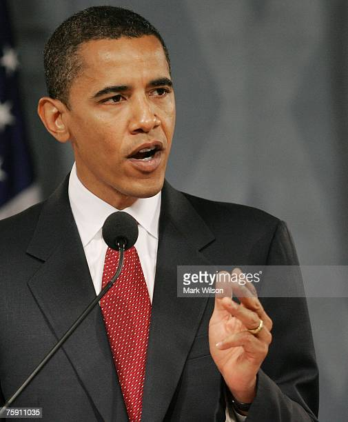 Senator Barack Obama delivers a speech on counter-terrorism at the Woodrow Wilson center August 1, 2007 in Washington, DC. Obama unveiled a...