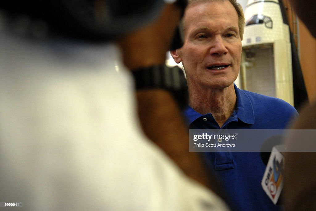 Senator Bill Nelson D-Fla, talks to members of the media in the press center the day of the first attempt at Kennedy Space Center.