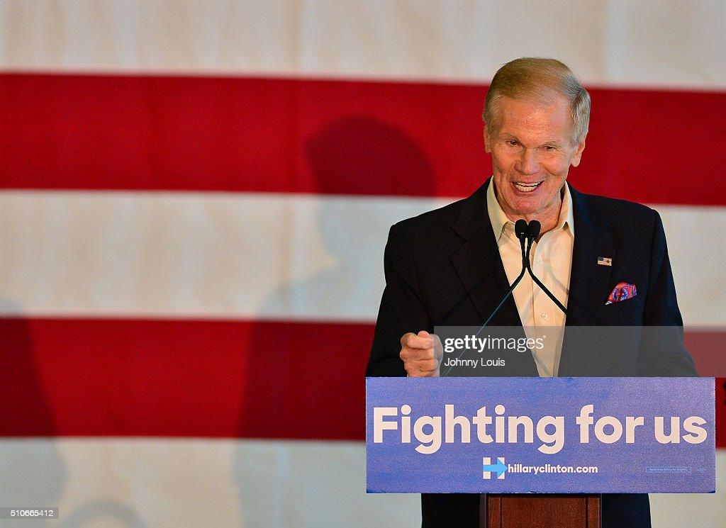 President Bill Clinton Campaigns For Hillary Clinton In Florida