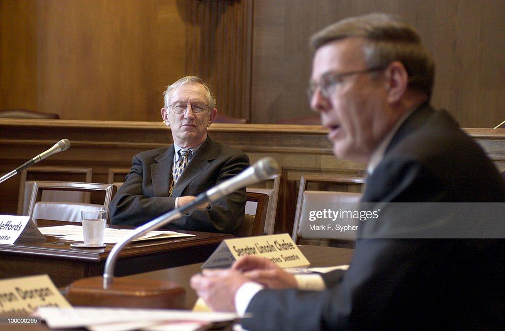Senator Byron J. Dorgan (D-ND) and Senator James M. Jeffords (R-VT) met with Parliament members of the European (MEP), as well as United Kingdom (MP) and Canada (MP) on Tuesday to discuss some necessary environmental changes, in Dirksem 406.