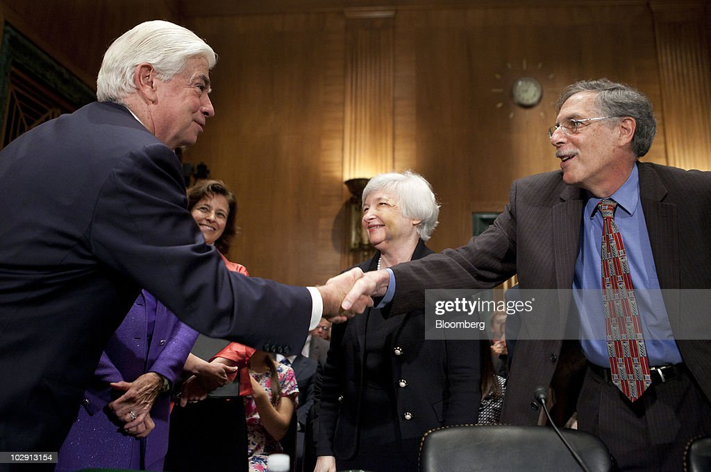 Dodd Says Fed Nominees May Not Be Confirmed Until September : News Photo