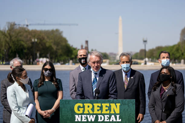 DC: Bicameral Democrats Reintroduce Green New Deal