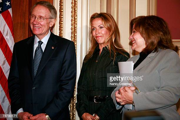 Senator Harry Reid Sheryl Crow and NBCC President Fran Visco at the National Breast Cancer Coalition press conference at The Capitol on March 28 2007...